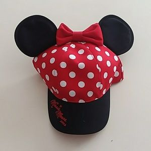 Disney Minnie Mouse ears hat new with tags